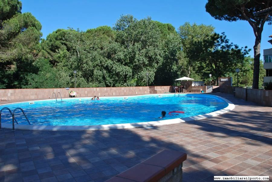 Appartamento puccini affittasi residence appartamento con terrazzo e piscina - Piscina terrazzo ...